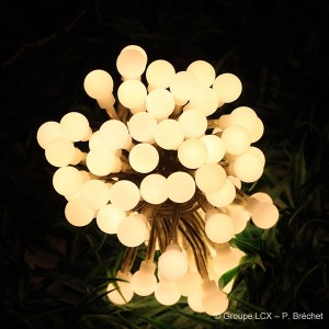 Guirlande lumineuse led jardin blog eclairage design for Guirlandes lumineuses exterieures solaires