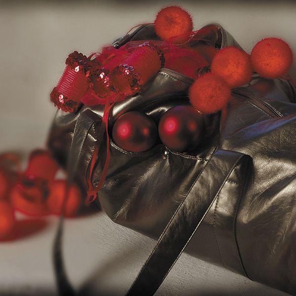 Ghirlanda di palline di velluto rosso