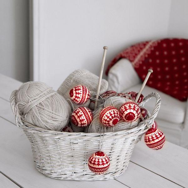 guirlande led laine rouge sur piles eclairage design. Black Bedroom Furniture Sets. Home Design Ideas