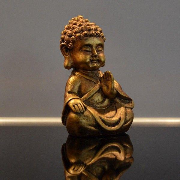 Estatuilla de Buda de oro